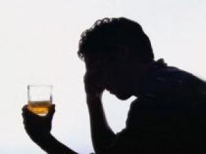 Алкоголизм: возможно ли лечение с доверием?