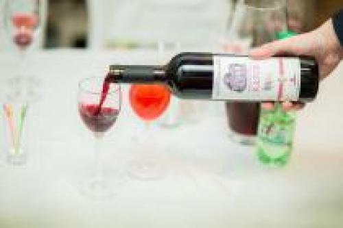 Новый проект Мистраль алко: интернет на службе ценителей вин