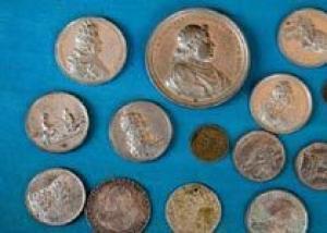 В немецкой библиотеке найдено множество серебряных монет