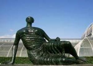 Лондонцы поссорились из-за скульптуры Генри Мура