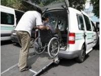 В Мангистау инвалиды жалуются на работу инвантакси и качество спецобуви