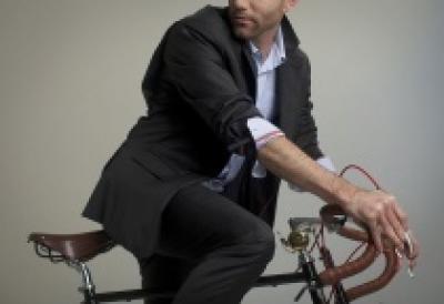 Госдума может обязать велосипедистов носить спецодежду