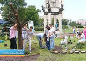 На набережной Свислочи в Минске выросло Дерево мечтаний