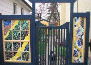 Отделка садовой мозаикой