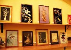В Саратове организована выставка картин в технике ясибана