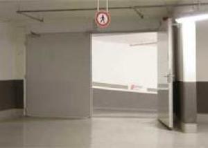 Противопожарные ворота и лифты для коттеджей