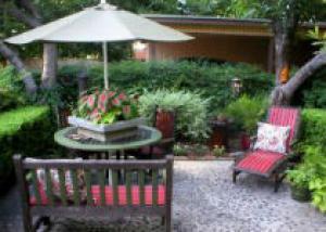 Патио на садовом участке