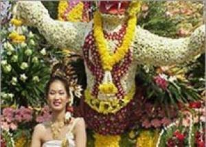В чем секрет популярности индийской цветочной выставки?