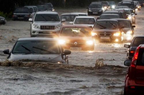 Сезон дождей: что делать если авто пострадало от затопления